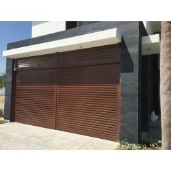 Puerta de Garaje Diseño Tubular Mecanismo Abatible