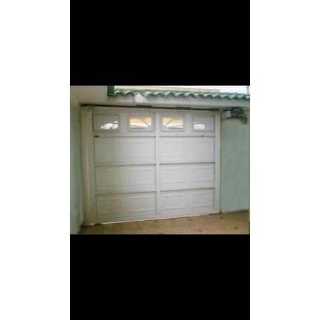 Puerta de Garaje Diseño Americano Clásico